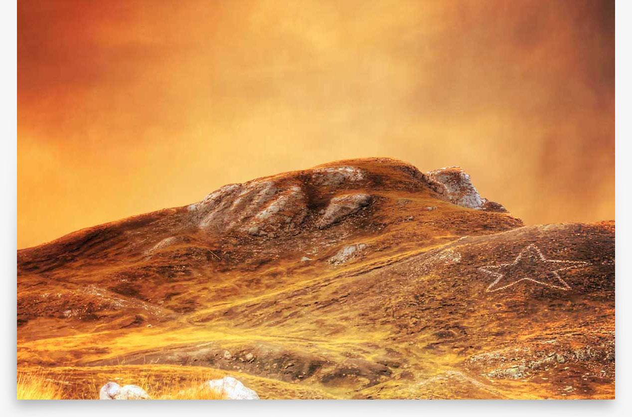 Superbe coucher de soleil sur le Col de la Bonette, dans le Parc National du Mercantour.